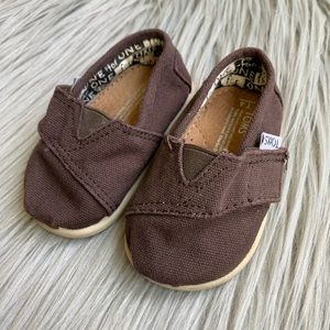 Little Toms Baby Girl Canvas Classic Slip On Shoes